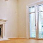 CasaBB salone Salotto vetrata camino legno